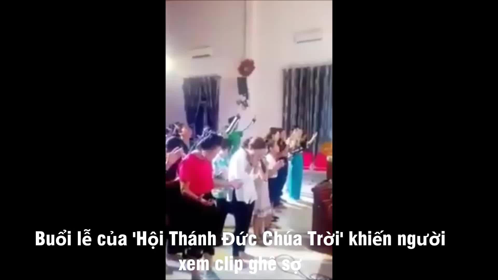 Video clip lễ truyền giáo của tín đồ \u0027Hội thánh đức chúa trời\u0027 có gì lạ? - Tuổi Trẻ Online